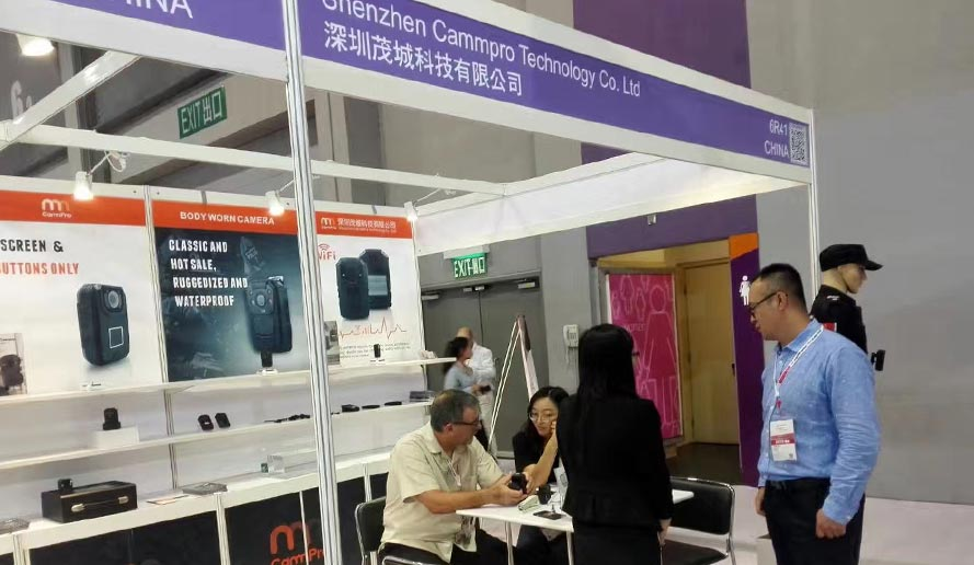 Jan. 2019   Cammpro attend the exhibition in Dubai, our cameras drew more attention of customers from over the world. Cammpro released body worn camera M852 with attractive smart design, and the world